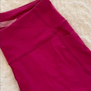 Victoria Sport, berry color leggings!
